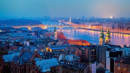 Будапешт – тисячолітнє місто королів та замків на берегах Дунаю