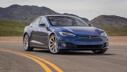 Як Tesla змінює уявлення про безпілотні автомобілі