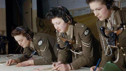 В Британії випустили книгу із рідкісними кольоровими фото Другої світової: опубліковані світлини