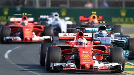 """Королевские гонки: дорогой и опасный азарт """"Формулы-1"""""""