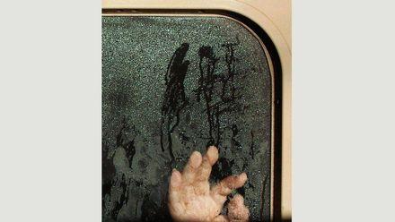 Настоящий фильм ужасов: фотограф снял пассажиров в токийском метро
