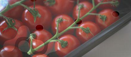 Вчені винайшли плівку, яку можна з'їсти: відео