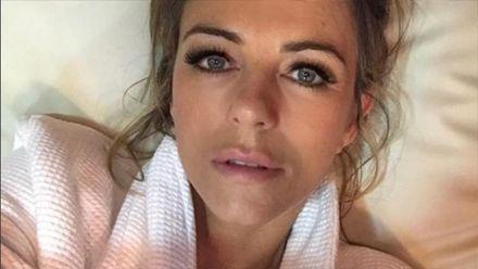 52-летняя модель показала пикантные фото топлесс