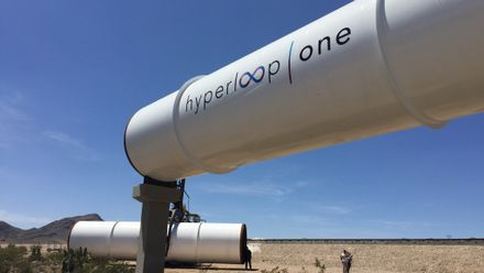 """Илон Маск получил """"устное разрешение"""" на строительство тоннеля для впечатляющего поезда Hyperloop"""