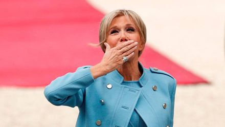 Первая леди Франции снялась для модного журнала и рассказала об отношениях с мужем