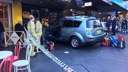 В Австралії авто на швидкості протаранило людей: з'явились фото
