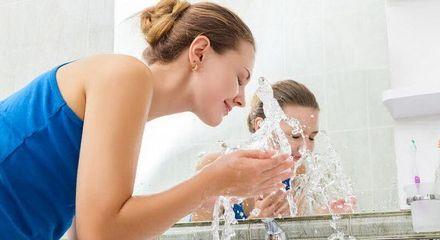 Три способи покращити стан шкіри за допомогою простої води