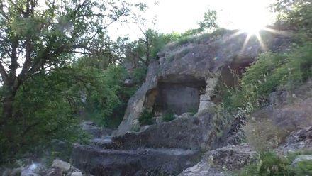 Для чего жители крымских гор построили сеть длинных тоннелей