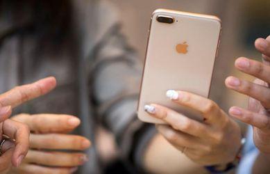 Новий iPhone 8 на годину занурили під воду: відео
