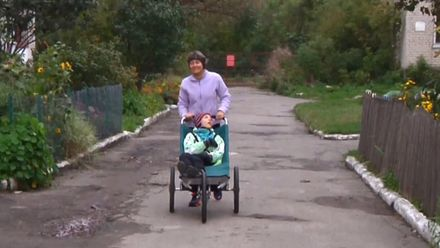Про сильних духом: жінка з сином, хворим на ДЦП, щодня пробігають 10 кілометрів
