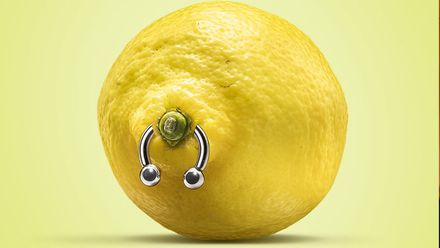 Фотограф поєднав екзотичні фрукти та фетишизм: незвичні фото