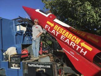 Изобретатель из США полетит в космос на самодельной ракете, чтобы доказать теорию плоской Земли