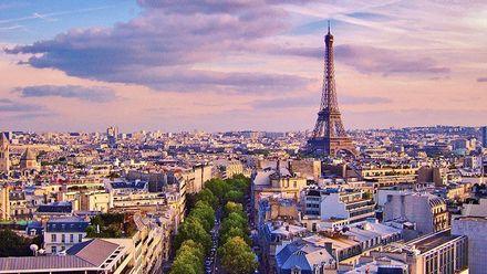 """В мережі висміяли фото, яке зроблене ніби-то в """"гірському"""" Парижі: курйозні фото"""