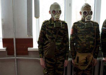 А то подумають, що ухиляємось, – в РФ кільком другокласникам прийшли повістки до військкомату