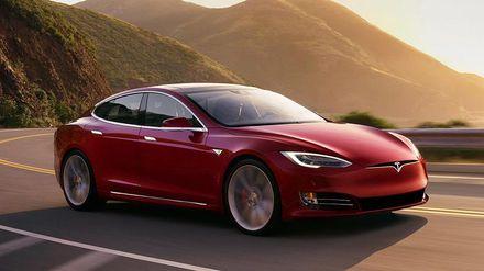 Розробники Tesla створили спеціальний режим Санти