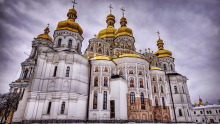 Проповіді чи пропаганда: чому пікетують церкви Московського патріархату в Україні