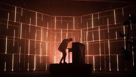 """О.Torvald створять дивовижний кліп на пісню """"Ліхтарі"""" для своїх фанатів: фото"""