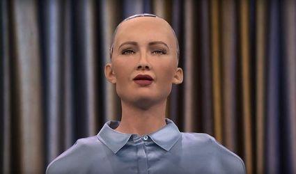 """Робот Софія """"зламалась"""" під час відповіді на питання про корупцію в Україні"""