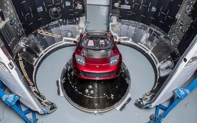 7 років підготовки: Маск запускає на Марс ракету Falcon Heavy з червоним спорткаром на борту