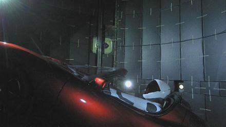 Ілон Маск запустив Tesla у космос: яка доля чекає на електрокар