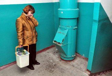 Грязное соседство: нужны ли мусоропроводы в многоэтажках?