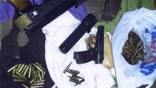 СБУ знайшла на Донеччині величезне сховище зброї та боєприпасів терористів