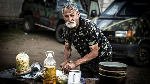 Фото дня: 74-річний дідусь воює в АТО