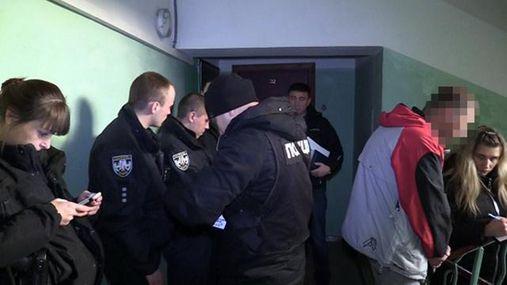 Ужасная смерть в Киеве: 15-летнюю девушку нашли с ножом в груди