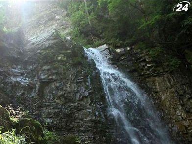 Манява - селище із найвищим карпатським водоспадом