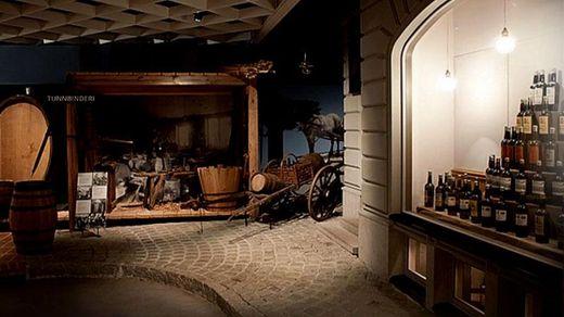 В уникальниому музее в Швеции полтысячи бутылок из разных уголков мира