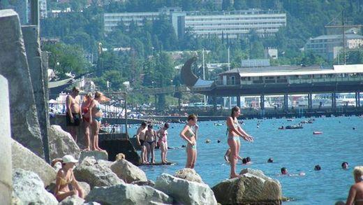 Як сильно статистика Кремля щодо туристичного сезону в Криму відрізняється від реальності