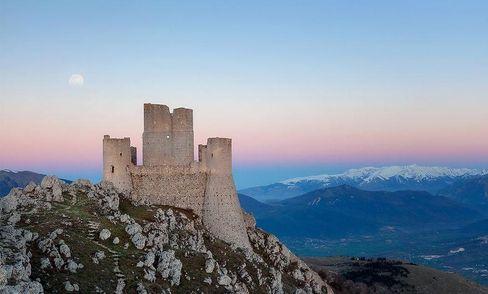 За власним замком в Італію: уряд безкоштовно даруватиме будівлі для привабленням туристів