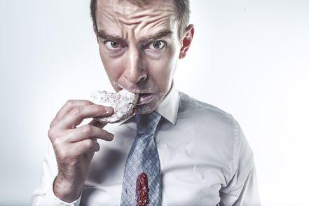 Мужчины более зависимы от сладкого: исследование