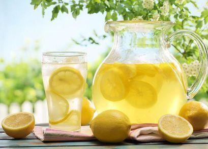 Пятилетнюю девочку из Лондона оштрафовали за продажу лимонада