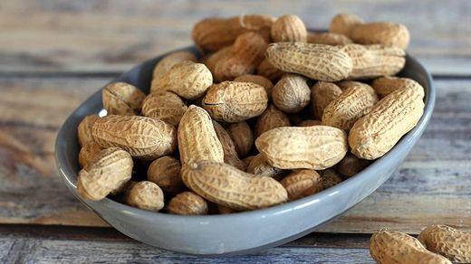 Вчені навчилися лікувати алергію на арахіс