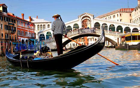 """Мэр Венеции назвал """"скрягами"""" туристов, которые жалуются на высокие цены"""