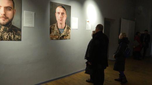 В Киеве прошла выставка посвященная крымским татарам, которые защищали Украину на Востоке