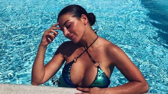 Седокова показала сексуальну фігуру у купальнику  фото (1.01 34) a08d5db44923d