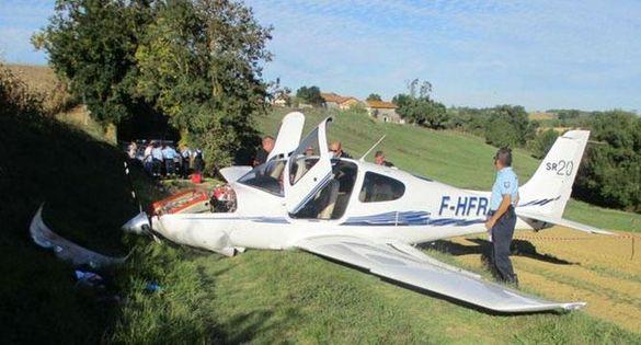 У Франції в південній комуні Ногаро в результаті падіння легкомоторного  літака загинула людина 6ba1cc9e21f54