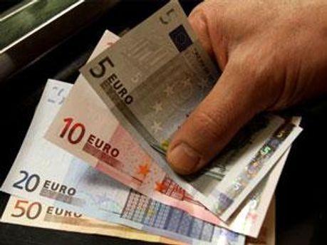 Завдяки гарантіям ЄС Греція уникнула дефолту