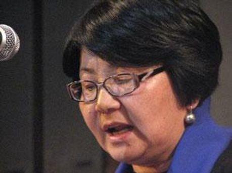 Роза Отунбаева, одна із лідерів опозиції