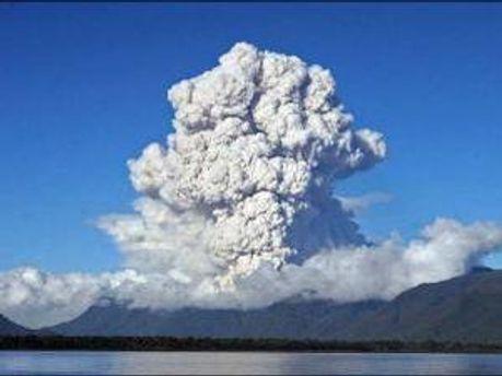 Виверження вулкана Ейяфьятлайокудль в Ісландії