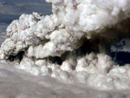 Хмара вулканічного пилу