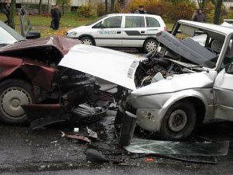 В автомобільній аварії загинули двоє водіїв