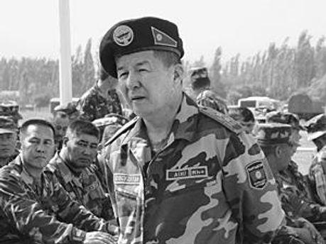 Киргизька міліція вилучає зброю