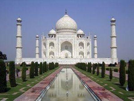 Тадж-Махал - головне місце туристичного паломництва  в Індії