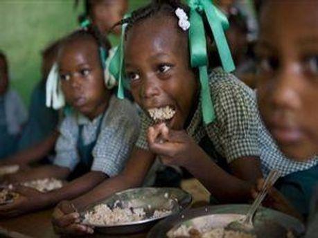 Кожна третя дитяча смерть у світі - від голоду