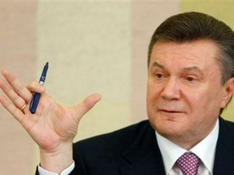 Янукович каже, що Україна має захищати інтереси Росії, а Росія — України