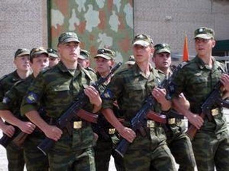 Росіяни і білоруси прибули для участі в параді до Дня Перемоги