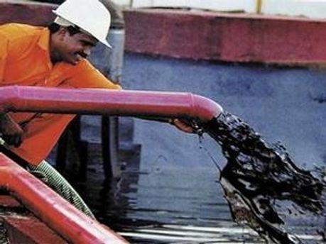 Транспортувати нафту через Україну — економічно вигідно